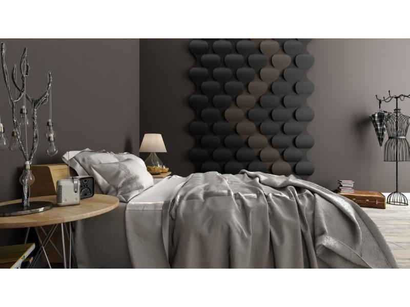 sypialnia z panelami ściennymi w ciemnych odcieniach